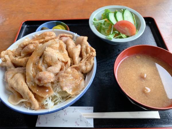 福島県塙町のお食事処旭屋でランチを食べてきました。ラーメンや丼物や定食やお酒も楽しめます-201008